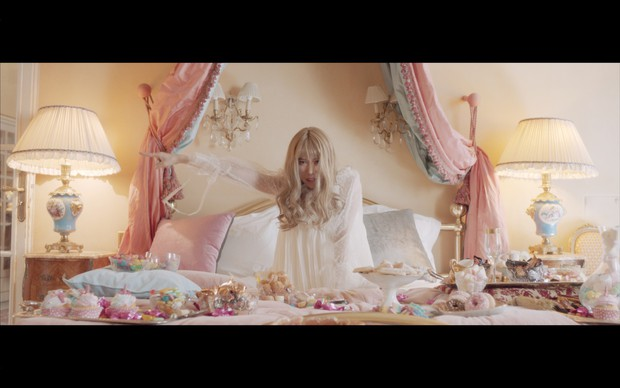 """Min """"chơi lớn"""" với MV trở lại cực đẹp và hoành tráng quay tại Paris - Ảnh 5."""