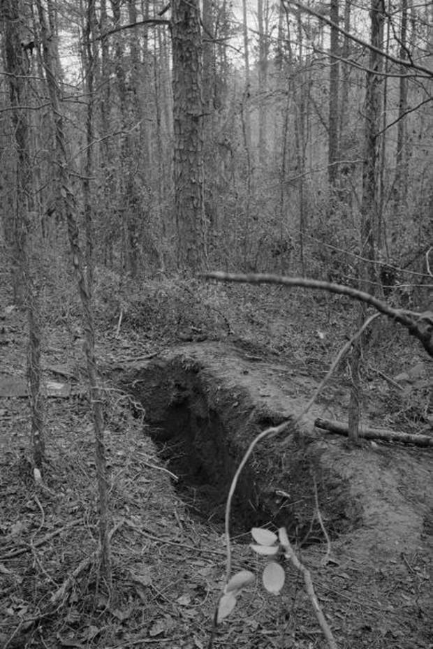 Kỳ án thế kỷ: Vụ án chiếc quan tài giữa rừng hoang và cô gái sống sót kỳ diệu sau 3 ngày bị chôn sống - Ảnh 3.