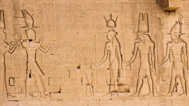 Những sự thật ít ai biết về Cleopatra - người phụ nữ quyền lực nhất Ai Cập cổ đại - Ảnh 2.