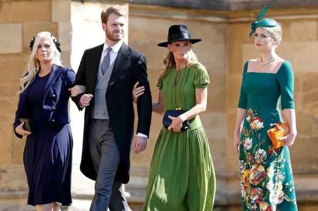Bộ ba anh chị em quý tộc đẹp như tranh vẽ tại đám cưới Hoàng gia: người nổi tiếng với vai trò siêu mẫu thời trang, kẻ sống ẩn dật ôm nỗi buồn mất mát - Ảnh 11.