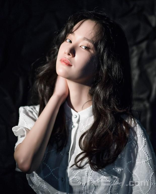 Lẽ ra Sulli đã càn quét thảm đỏ Cannes 2018 với tư cách nữ chính của kiệt tác điện ảnh Hàn - Ảnh 3.