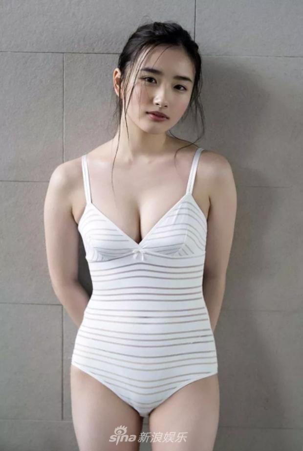 Mặt ngây thơ nhưng body bốc lửa, mỹ nhân sinh năm 2000 này chính là gương mặt trang bìa Playboy Nhật Bản - Ảnh 6.