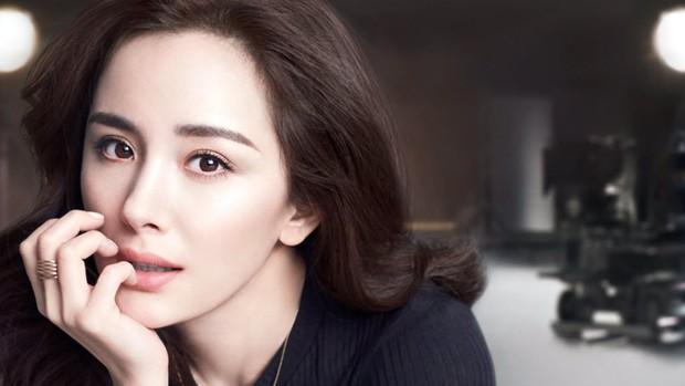 Rộ tin đồn đóng phim mới, Dương Mịch bị mỉa mai là đâm sau lưng Lưu Diệc Phi - Ảnh 1.