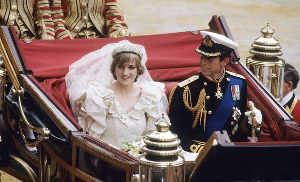 Nhan sắc và khí chất hoàn hảo của cố Công nương Diana trong những khoảnh khắc xưa - Ảnh 5.