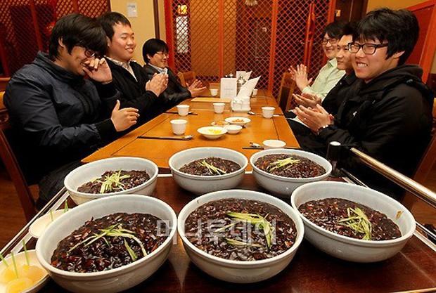 Lễ tình nhân 14/2 chưa đủ, giới trẻ Hàn Quốc ăn mừng ngày 14 mỗi tháng suốt cả năm với nhiều ý nghĩa khác nhau - Ảnh 2.