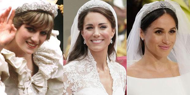 Đặt lên bàn cân 10 khoảnh khắc giữa ba đám cưới Hoàng gia: Công nương Diana vẫn được đánh giá là xinh đẹp nhất - Ảnh 1.