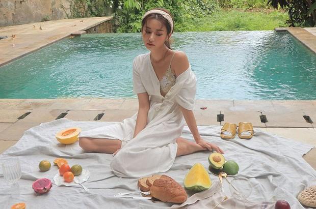 Mẫu váy trắng của Zara đang hot quá, bao cô nàng diện, bao nhãn hàng tung ra thiết kế ăn theo  - Ảnh 15.