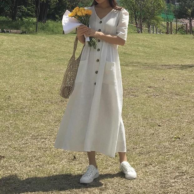 Mẫu váy trắng của Zara đang hot quá, bao cô nàng diện, bao nhãn hàng tung ra thiết kế ăn theo  - Ảnh 10.