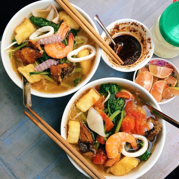 Thiên đường ăn uống ở khu Đại học Hà Nội: ngập tràn các món no bụng giá rẻ - Ảnh 1.