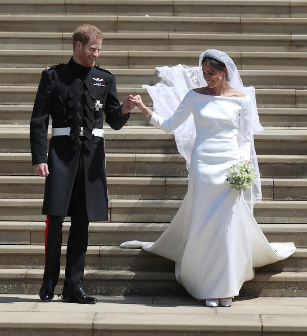 NTK yêu thích của Công nương Kate chê váy cưới của Meghan Markle bị rộng và trông giống một mẫu váy của tôi - Ảnh 5.