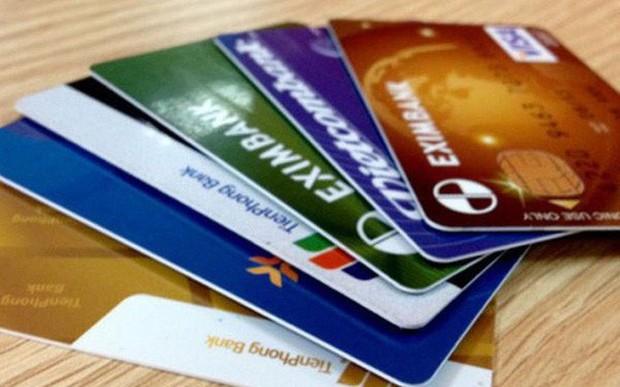 NHNN cảnh báo tình trạng dùng giấy tờ tùy thân giả để mở thẻ ATM  - Ảnh 1.