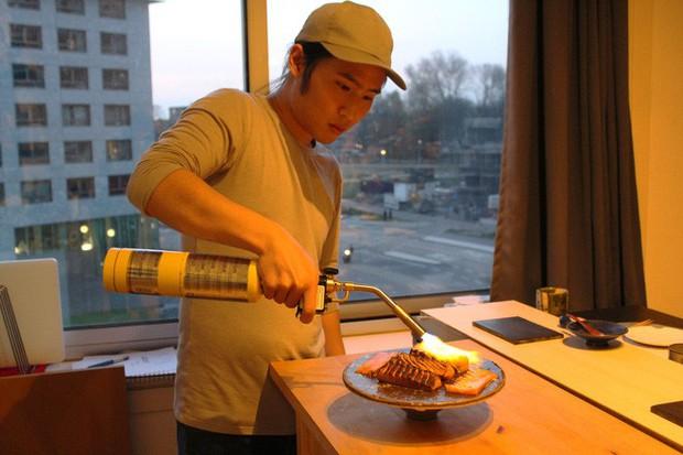 Tự mở nhà hàng Nhật trong phòng kí túc, anh chàng 21 tuổi khiến giới sành ăn ở Amsterdam phải ngỡ ngàng - Ảnh 9.