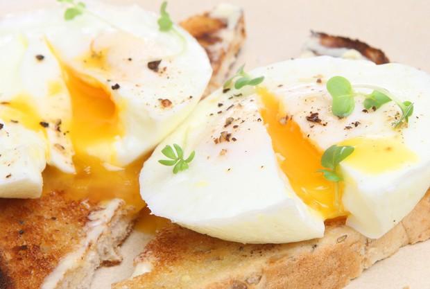 Đây là những lý do mà bạn nên bổ sung trứng vào thực đơn ăn kiêng của mình - Ảnh 1.