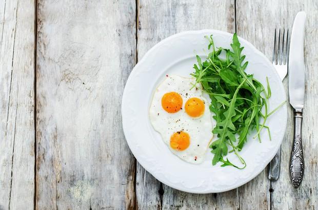 Đây là những lý do mà bạn nên bổ sung trứng vào thực đơn ăn kiêng của mình - Ảnh 2.