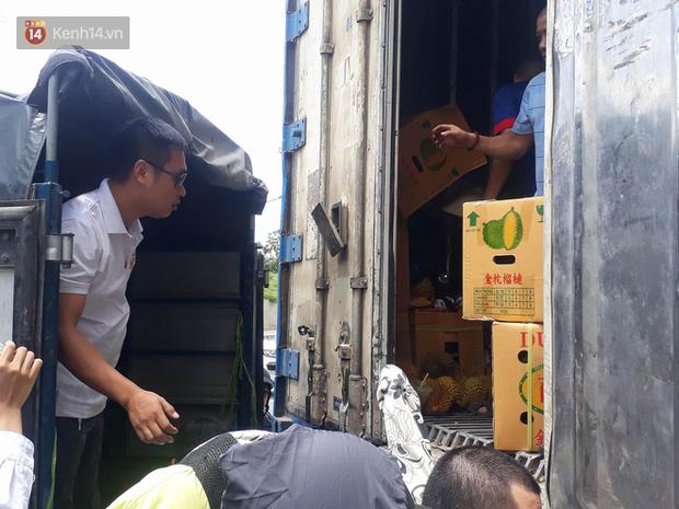 Bỏ tiền giải cứu 17 tấn sầu riêng giữa trưa hè Hà Nội, người mua thất vọng với chất lượng thực tế: Tài xế lên tiếng - Ảnh 7.