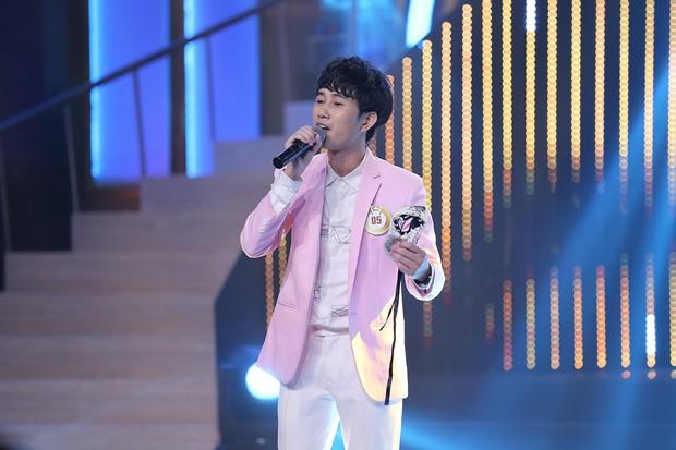 Đã có chàng trai thay Trấn Thành hát trọn vẹn ca khúc trong ngày cưới với Hari Won - Ảnh 3.