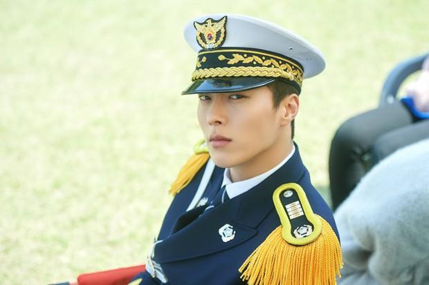 Hot boy của làng phim Hàn đến từ YG: Cao 1,87m, góc nghiêng hệt Hyun Bin, diễn xuất cực ổn! - Ảnh 5.