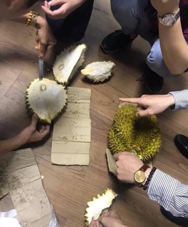 Chia sẻ thêm của tài xế vụ giải cứu 17 tấn sầu riêng ở Hà Nội: Tôi đã rất cố gắng giải thích nhưng nhiều người không nghe - Ảnh 5.