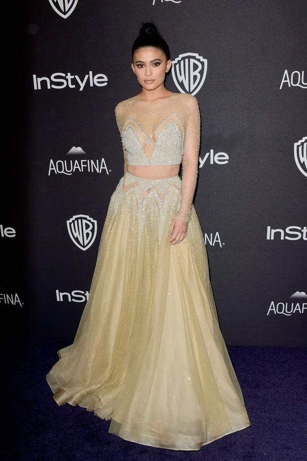 Các khoản chi tiền hoành tráng của Kylie Jenner khiến dân tình tròn mắt về độ giàu có ở tuổi 20 - Ảnh 9.