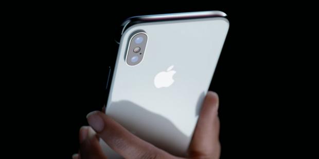 Tại sao Apple lại gặp khó khi thuyết phục những khách hàng của mình nâng cấp iPhone X? - Ảnh 2.