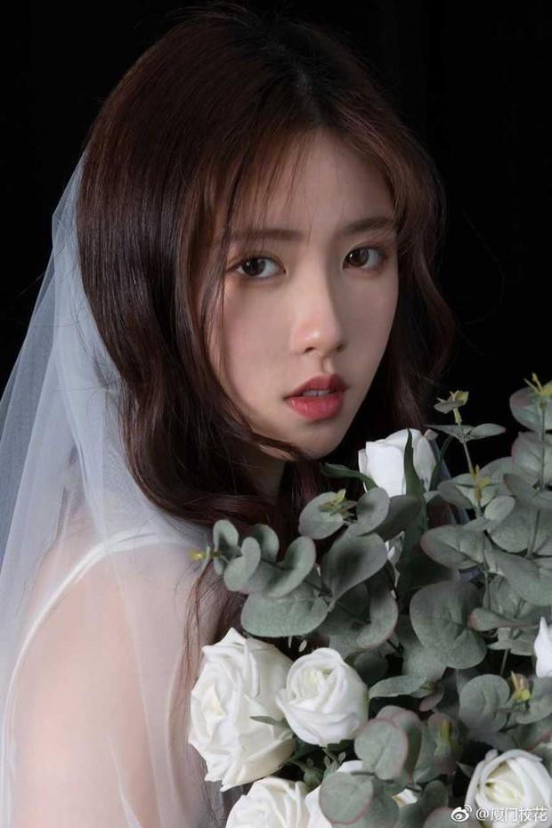 Sở hữu vẻ đẹp tinh khôi, dịu dàng, cô bạn 21 tuổi đăng quang hoa khôi Học viện ngoại ngữ Chiết Giang - Ảnh 11.