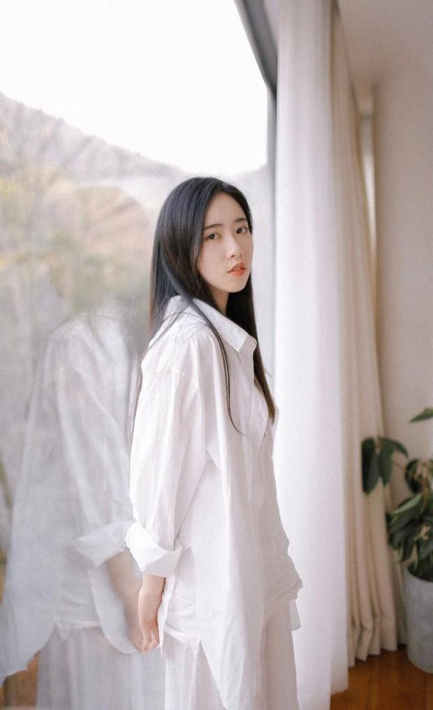 Sở hữu vẻ đẹp tinh khôi, dịu dàng, cô bạn 21 tuổi đăng quang hoa khôi Học viện ngoại ngữ Chiết Giang - Ảnh 14.