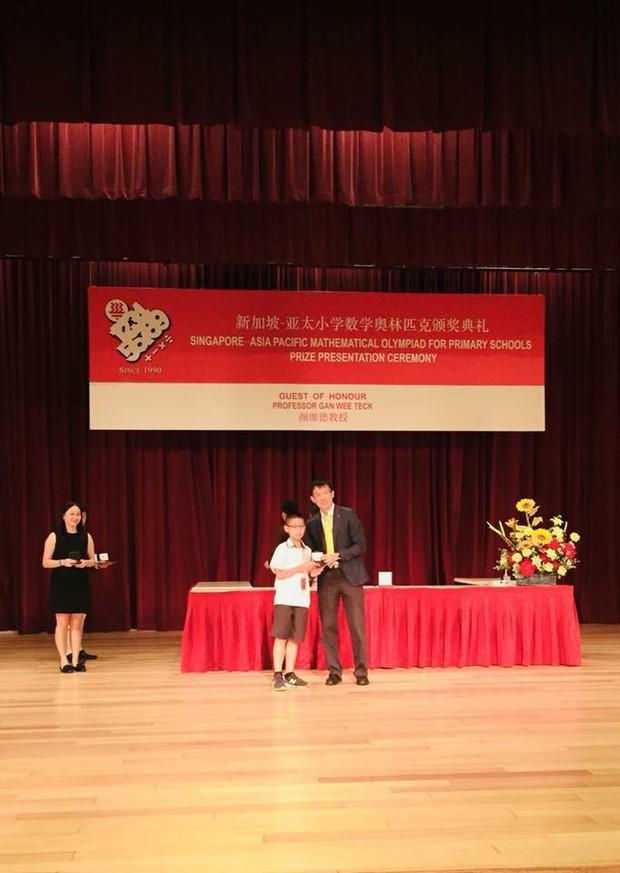 Học sinh Việt Nam giành 6 Huy chương Vàng tại Olympic Toán châu Á - Thái Bình Dương 2018 - Ảnh 4.
