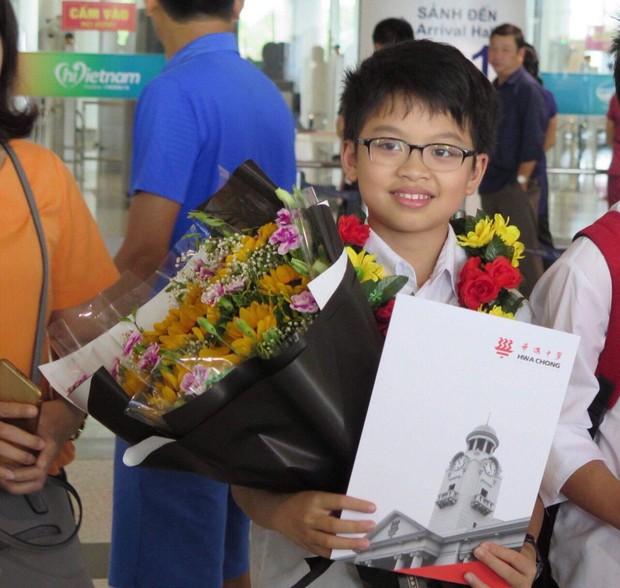 Học sinh Việt Nam giành 6 Huy chương Vàng tại Olympic Toán châu Á - Thái Bình Dương 2018 - Ảnh 2.