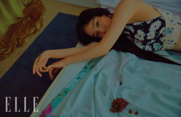 Hở bạo khoe lưng trần quyến rũ, Min Hyo Rin khiến dân tình phải thốt lên Đúng là nàng thơ của Taeyang - Ảnh 8.