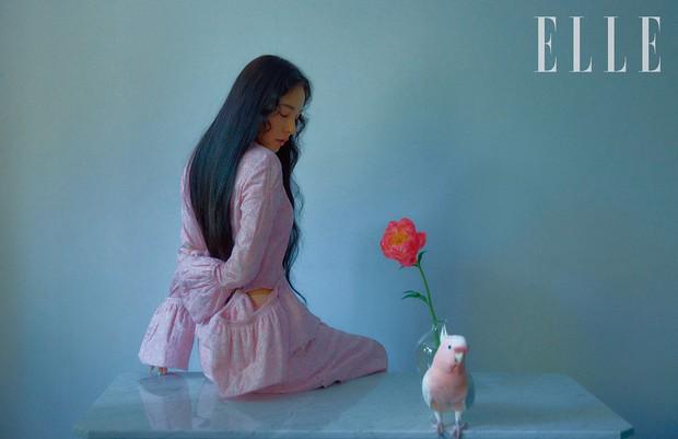 Hở bạo khoe lưng trần quyến rũ, Min Hyo Rin khiến dân tình phải thốt lên Đúng là nàng thơ của Taeyang - Ảnh 3.