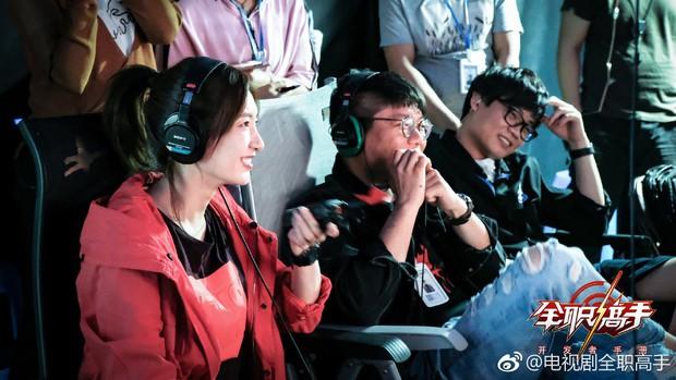 Hóa cao thủ game online, Dương Dương lần nữa được khen đẹp trai không góc chết - Ảnh 5.