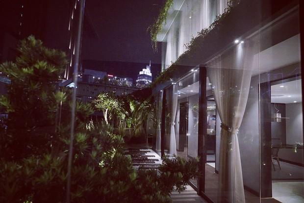 Cận cảnh ngôi nhà trị giá 5 triệu đô ngay giữa trung tâm Sài Gòn của Huyền Baby - Ảnh 2.