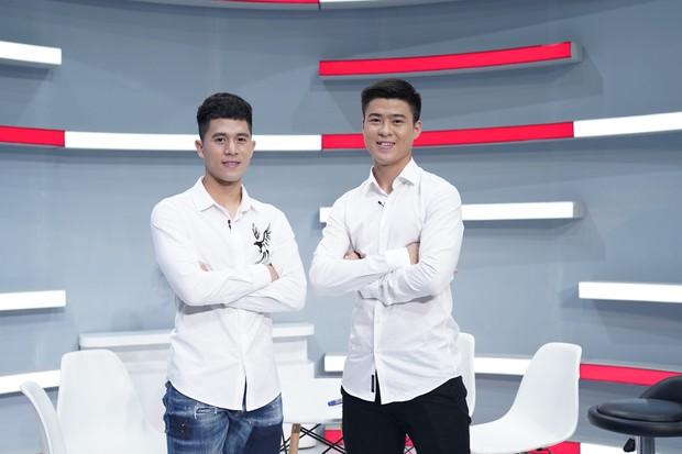 Duy Mạnh - Đình Trọng U23 chia sẻ trên truyền hình về việc được fan ghép thành 1 đôi - Ảnh 3.