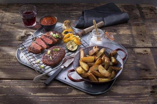 Tin vui cho người ăn chay: đã có món thịt bò chay 100% làm từ thực vật bán ra thị trường - Ảnh 1.