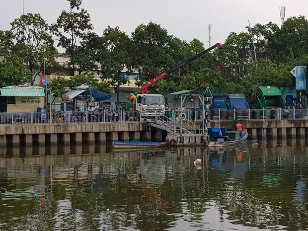 Cá lại chết hàng loạt trên kênh Nhiêu Lộc - Thị Nghè ở Sài Gòn - Ảnh 5.
