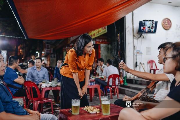 Cuộc sống hiện tại của Nguyệt trong Phía trước là bầu trời: Sáng đi dạy múa, tối về làm chủ quán bia - Ảnh 8.