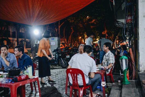 Cuộc sống hiện tại của Nguyệt trong Phía trước là bầu trời: Sáng đi dạy múa, tối về làm chủ quán bia - Ảnh 3.