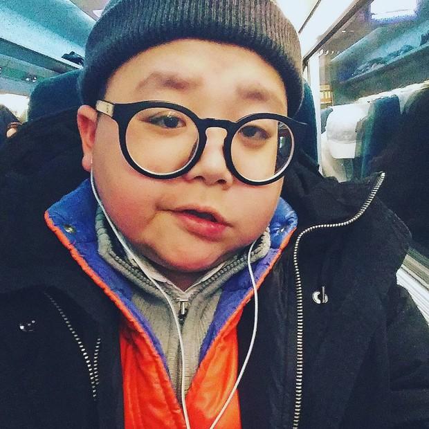 Mắc hội chứng lạ, thanh niên Hàn Quốc dù đã 30 nhưng lại mang hình hài của một cậu nhóc mặt búng ra sữa - Ảnh 8.