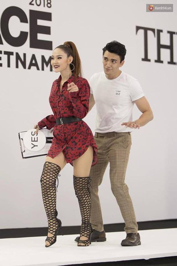 Hồ Ngọc Hà đá xéo phong cách thời trang của Minh Hằng tại buổi casting The Face Vietnam 2018? - Ảnh 2.