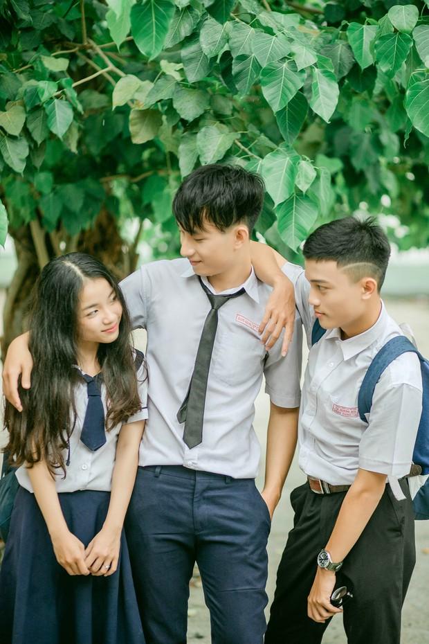Bộ ảnh tình bể bình của nhóm bạn Sài Gòn: Chúng mình chơi thân đến nỗi bị nhầm là cả 3 đang yêu nhau - Ảnh 1.