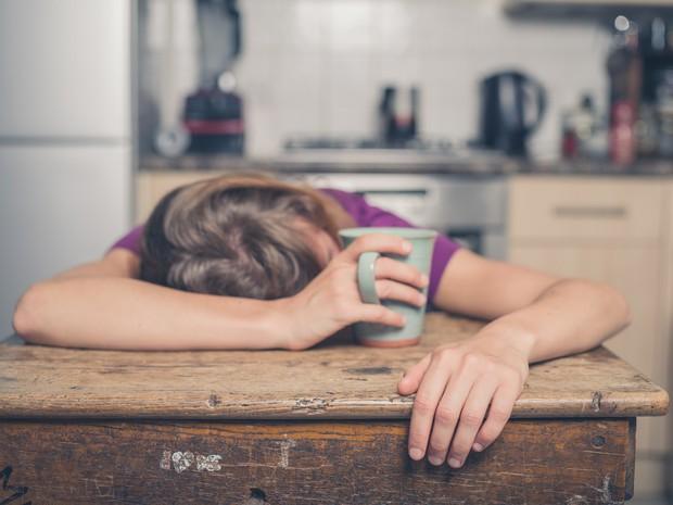 Ngủ trưa dậy thấy đau đầu có thể là do bạn đã phạm phải một số sai lầm sau - Ảnh 2.