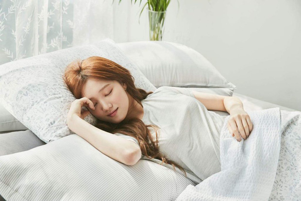 Ngủ trưa dậy thấy đau đầu có thể là do bạn đã phạm phải một số sai lầm sau - Ảnh 4.
