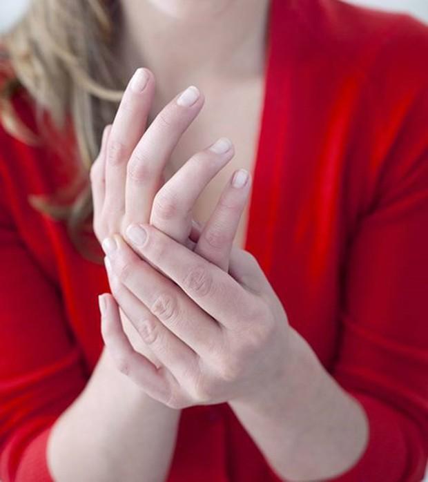 Cách chữa ngứa ran bàn tay tại nhà, thử ngay để thấy hiệu quả - Ảnh 1.