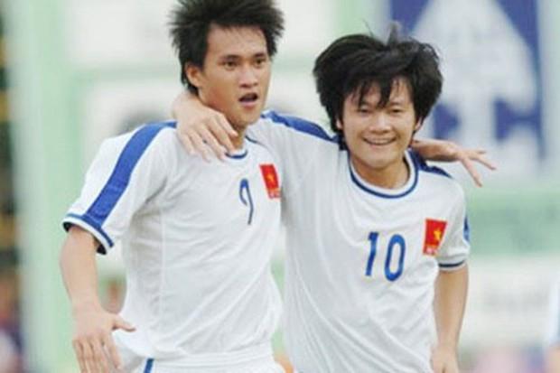 Tự truyện Công Vinh gợi lại nỗi đau về vụ cá độ lớn nhất lịch sử bóng đá Việt Nam - Ảnh 2.