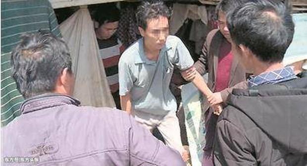 Trung Quốc: Người đàn ông 16 năm không dám về nhà, khi biết lí do đằng sau ai cũng xót xa - Ảnh 5.