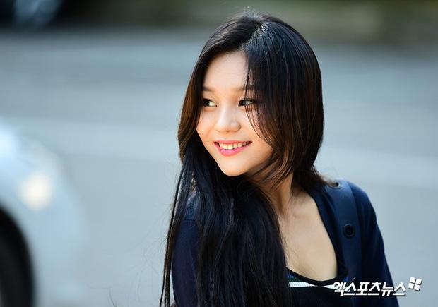 Bị chê ngày càng kém sắc, nữ thần tượng xấu nhất lịch sử Kpop Umji gây náo loạn vì đẹp xuất thần - Ảnh 3.