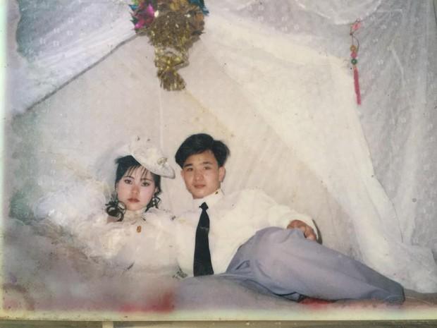 Cư dân mạng rủ nhau khoe ảnh cưới của bố mẹ ngày xưa: cô dâu cực xinh còn chú rể phong độ ngút trời - Ảnh 9.
