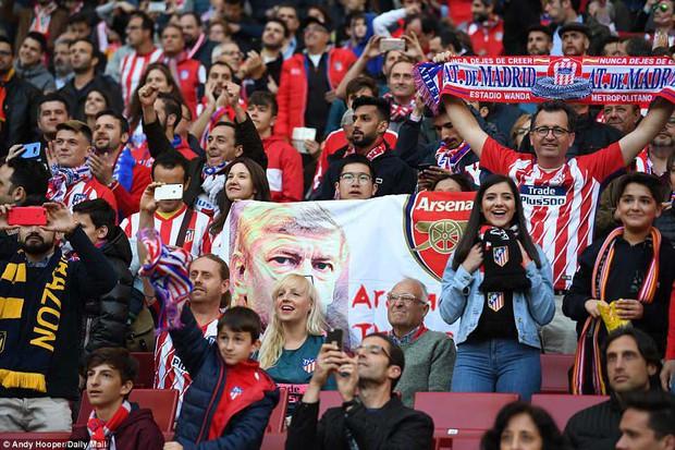 Arsenal chia tay Europa League, kết thúc mùa giải thảm họa của HLV Wenger - Ảnh 3.