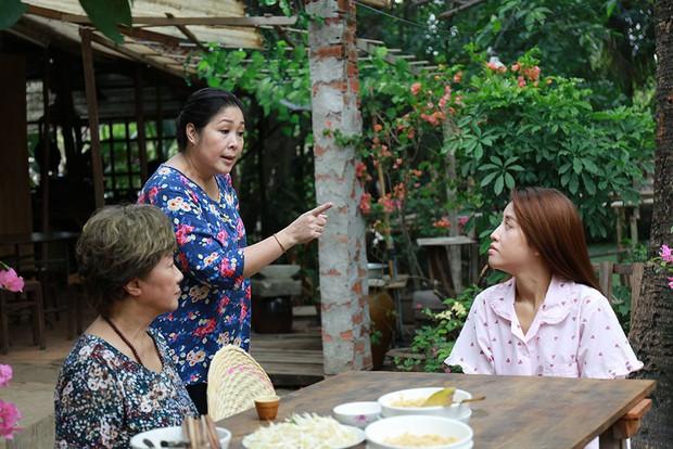 NSND Hồng Vân đối với con ruột mà như con ghẻ, khiến gia đình xào xáo trong phim Hàn remake - Ảnh 6.
