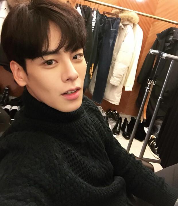 Chàng gia sư đẹp trai khiến chị em đổ rầm rầm, được ví như tiêu chuẩn bạn trai hoàn hảo mới tại Hàn Quốc - Ảnh 2.